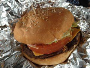【最新】パラオで一番美味しぃハンバーガーショップ「ベム・エルミイ」がなくなってしまった!
